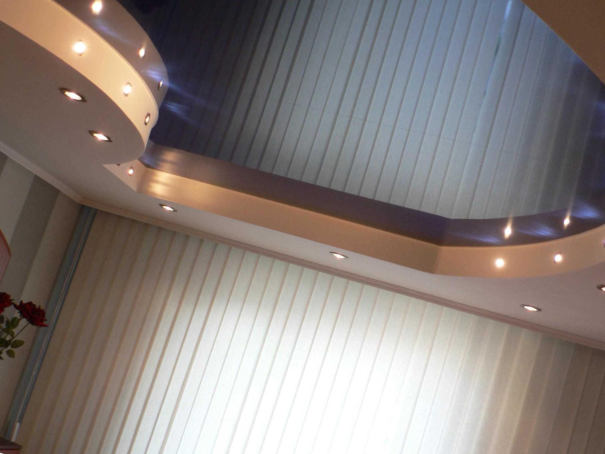 Двухуровневый потолок с нишей