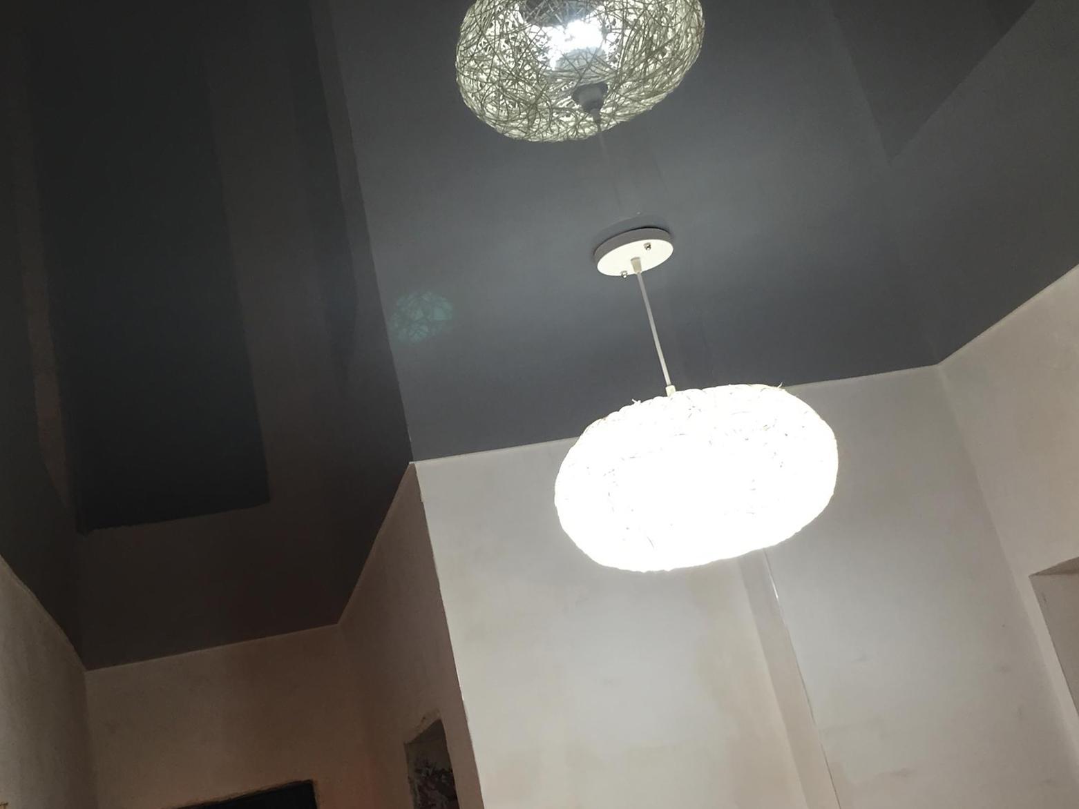 Натяжной потолок с зеркальным эффектом