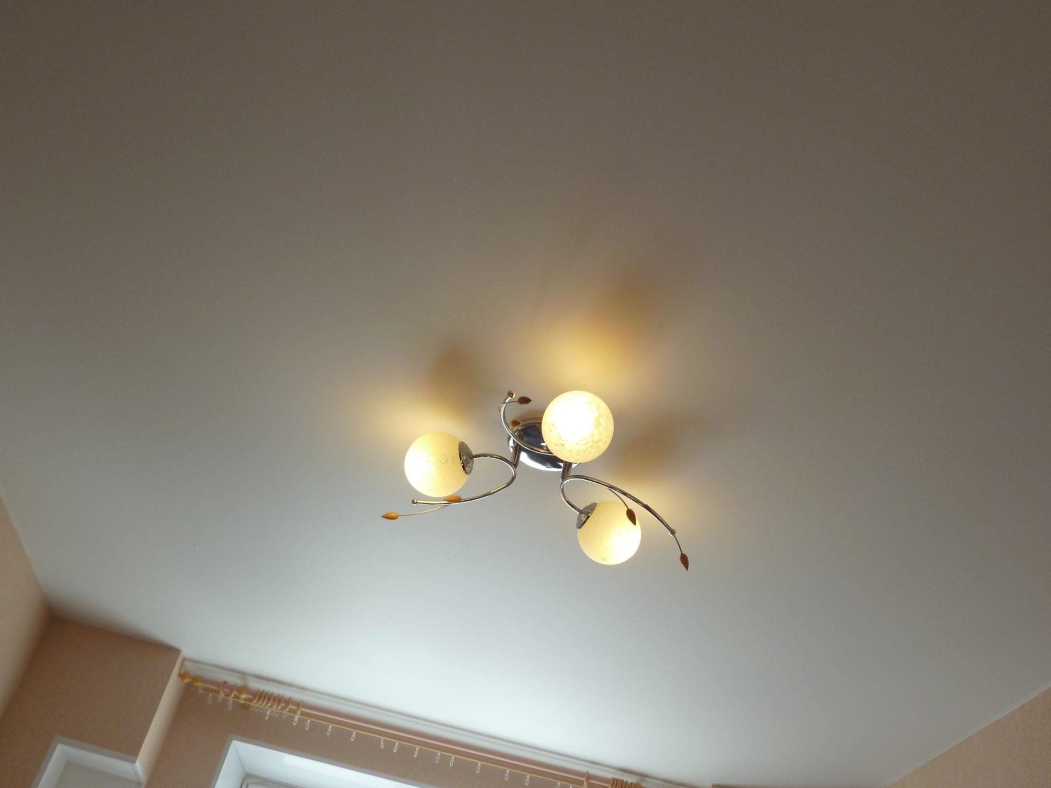 Матовое полотно натяжного потолка